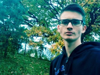 batitomi 20 éves társkereső profilképe