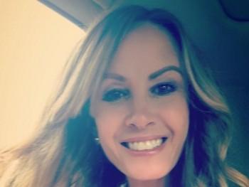 Amandaa 44 éves társkereső profilképe