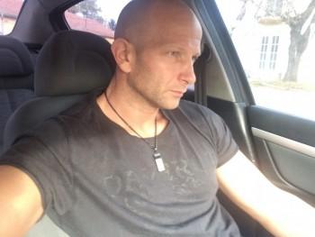 xyatti 45 éves társkereső profilképe