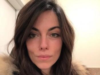 Kurucz Julianna 33 éves társkereső profilképe