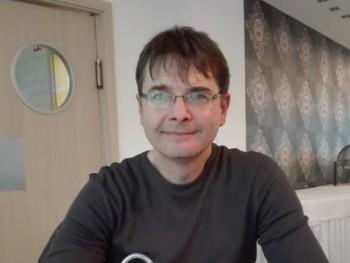 szabi3834 49 éves társkereső profilképe