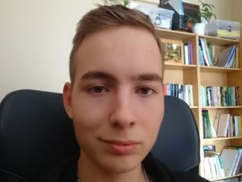 Ádám11 19 éves társkereső profilképe
