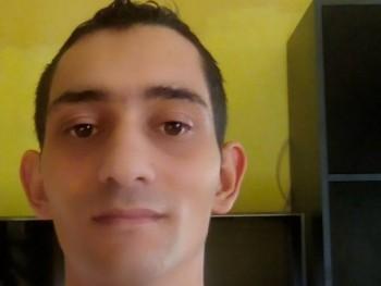 jani8931 31 éves társkereső profilképe