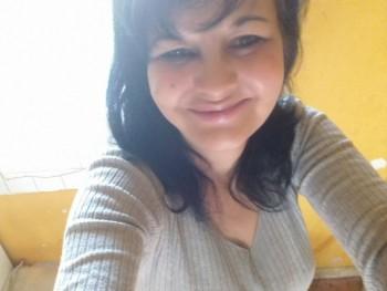 Maris 47 éves társkereső profilképe