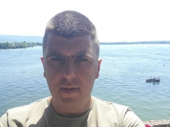 sanyi90 31 éves társkereső profilképe