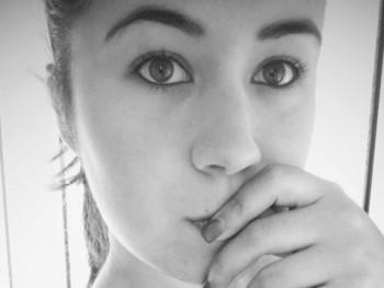Felicicaaa 23 éves társkereső profilképe