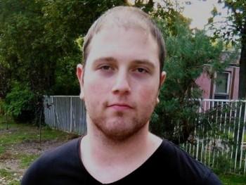 Peti23 24 éves társkereső profilképe