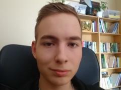 Ádám11 - 18 éves társkereső fotója