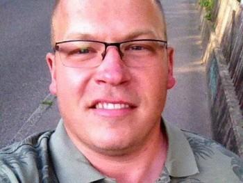 szl33 36 éves társkereső profilképe