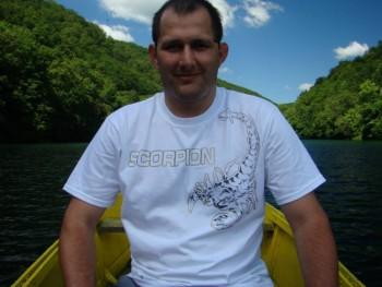 Tomilika 40 éves társkereső profilképe