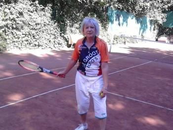 töfi 69 éves társkereső profilképe