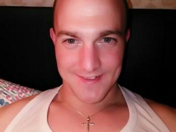 Joey24 30 éves társkereső profilképe