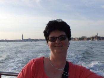 Lilla88 46 éves társkereső profilképe