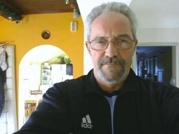 érzéki férfi 55 éves társkereső profilképe