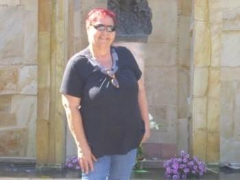 lilla 54 éves társkereső profilképe