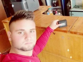 bei miklos 21 éves társkereső profilképe