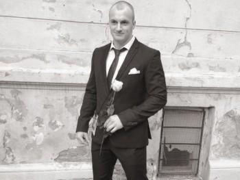 Benni 22 éves társkereső profilképe