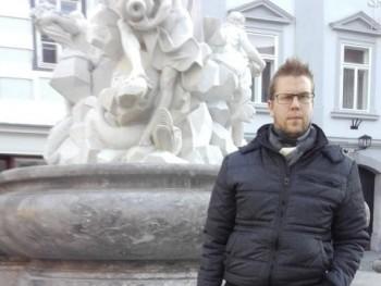 arminvanbuuren 32 éves társkereső profilképe
