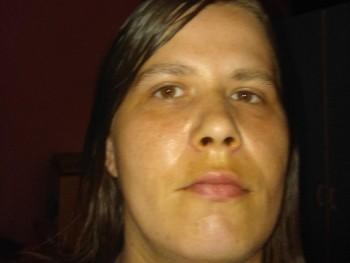 solya0106 31 éves társkereső profilképe