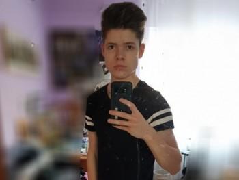 Tomi 22 éves társkereső profilképe
