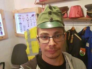 gyuri 24 éves társkereső profilképe