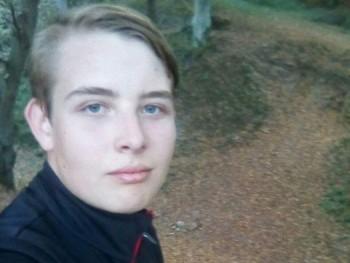 Gidorax 21 éves társkereső profilképe