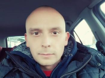 Zsolteee 33 éves társkereső profilképe
