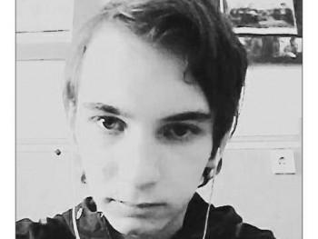 ADam0913 22 éves társkereső profilképe