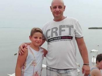 Pierre 44 éves társkereső profilképe