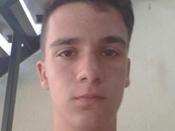 pBoti456 19 éves társkereső profilképe