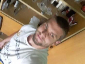vargamisi06 28 éves társkereső profilképe
