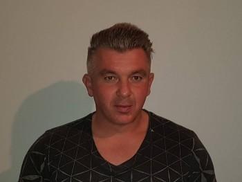 Zsorek32 43 éves társkereső profilképe