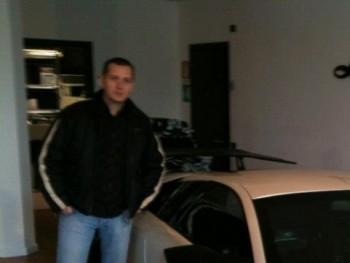 Rotterdam 42 éves társkereső profilképe