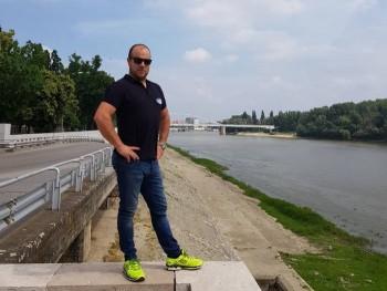 racinger 33 éves társkereső profilképe