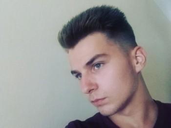 Dániel 19 éves társkereső profilképe