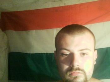 Laci9323 22 éves társkereső profilképe