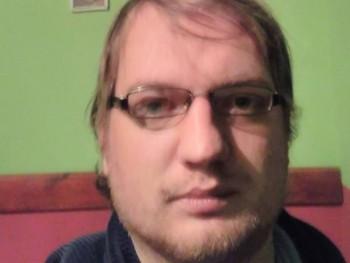 Gaguru 35 éves társkereső profilképe