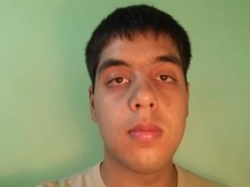 Tamás141 23 éves társkereső profilképe