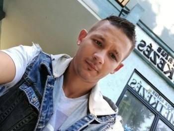 gabesz1204 28 éves társkereső profilképe