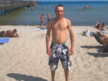 marcell 24 éves társkereső profilképe