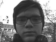 Bence05 - 17 éves társkereső fotója