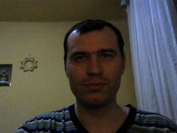 Laci_90 30 éves társkereső profilképe