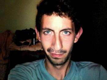 zole01 23 éves társkereső profilképe