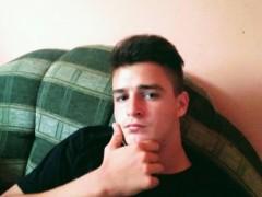péterke23 - 18 éves társkereső fotója