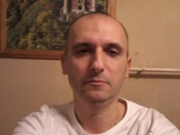 Vnorbert 43 éves társkereső profilképe