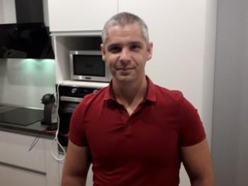 istvan 80 41 éves társkereső profilképe