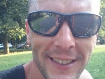 valentin 34 éves társkereső profilképe