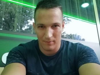 judgement 33 éves társkereső profilképe