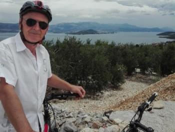 Szasa 62 éves társkereső profilképe