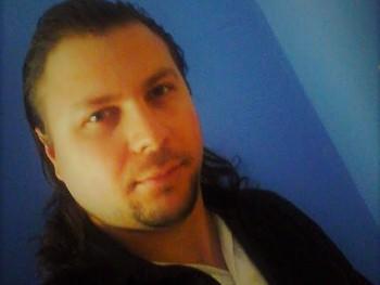 Dávid 89 31 éves társkereső profilképe